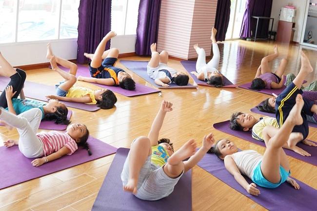 lợi ích yoga trẻ em