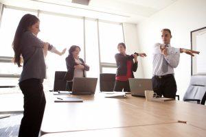 tập yoga văn phòng