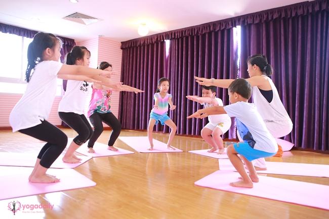 Yoga-tre-em-loi-ich-yogadaily