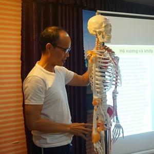 HLV Yoga - Tiến sĩ Trần Phương Tùng