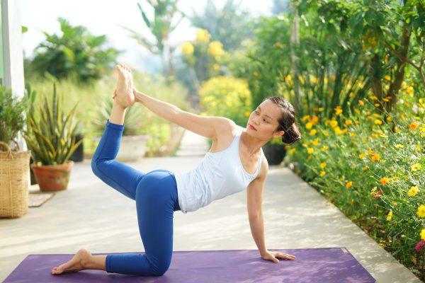 hlv yoga Bùi Châu Đảo tập yoga bó cơ