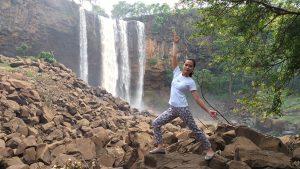 tập yoga cùng hlv yoga Bùi Châu Đảo