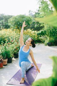 hlv yoga Bùi Châu Đảo tập yoga tại nhà