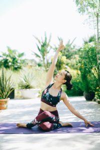 tập yoga tại nhà hlv Bùi Châu Đảo