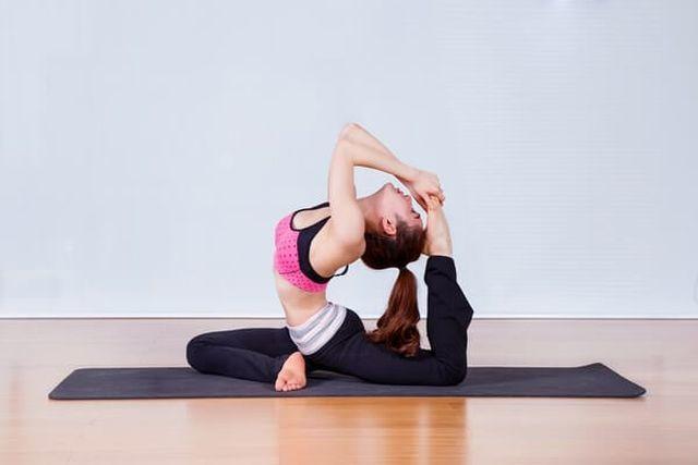 hướng dẫn tập yoga giảm đau lưng