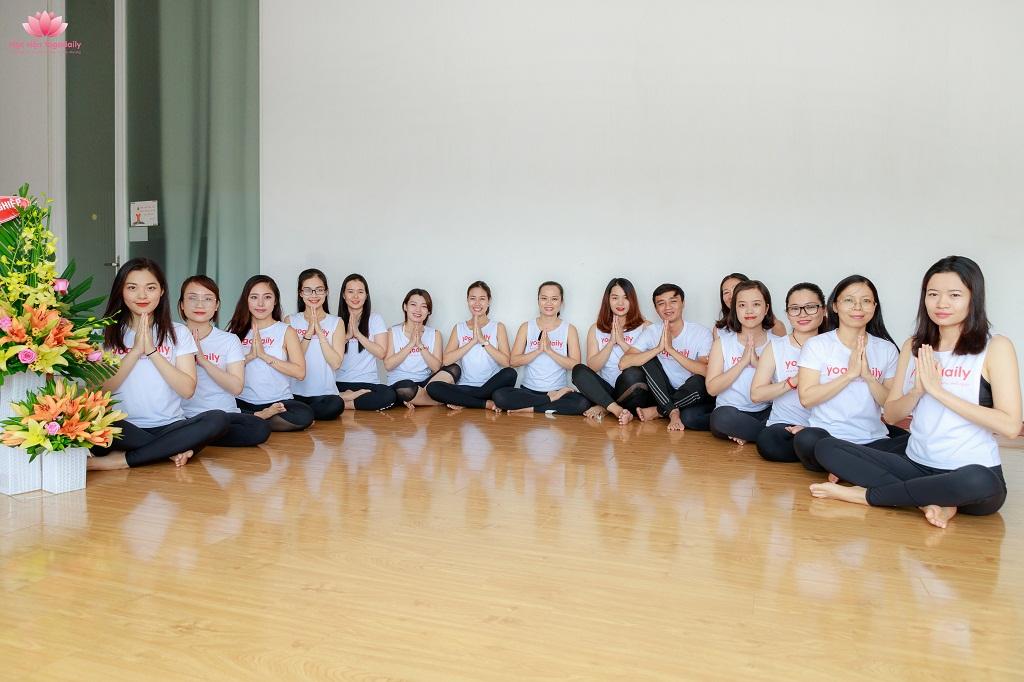 huân luyện viên yoga yogadaily khóa 27