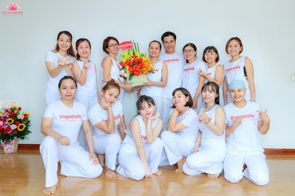 huấn luyện viên yoga yogadaily khóa 29