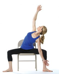 Tập Yoga ghế độc đáo
