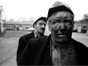 Câu chuyện 2 người đàn ông chui ra từ ống khói - Bài học cuộc sống sâu sắc